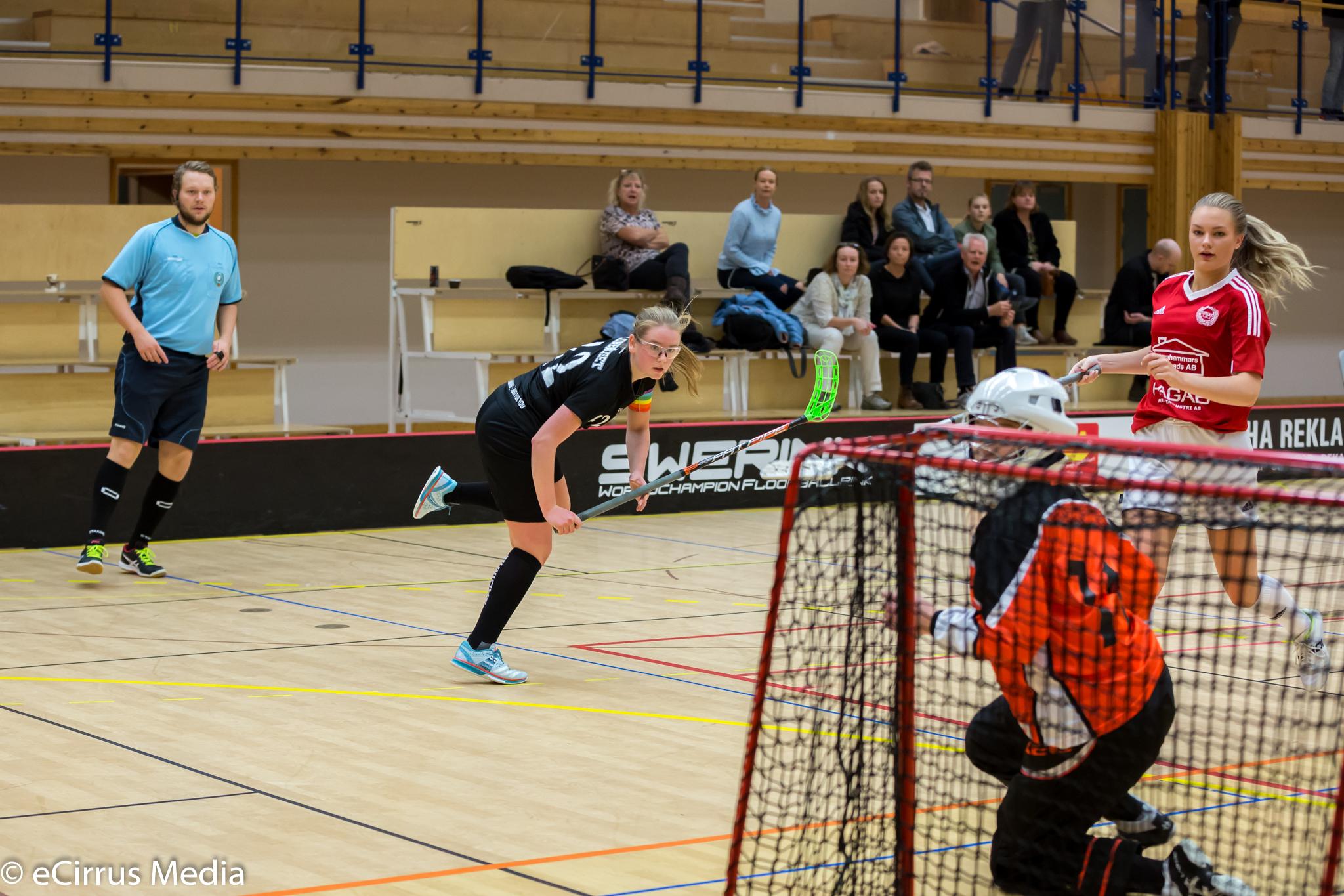 2017-10-21-HovslättsIK-LindåsIBKIBKAlingsås-4895